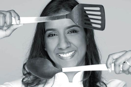 Kelly Rangama, présentatrice de « Voyages & Délices by Chef Kelly »
