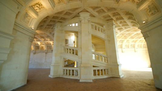 Le célèbre escalier à double vis du château de Chambord