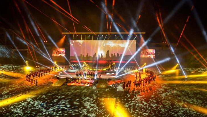 Entre vidéos, danses et musiques, le spectaculaire Grand Spectacle Interceltique