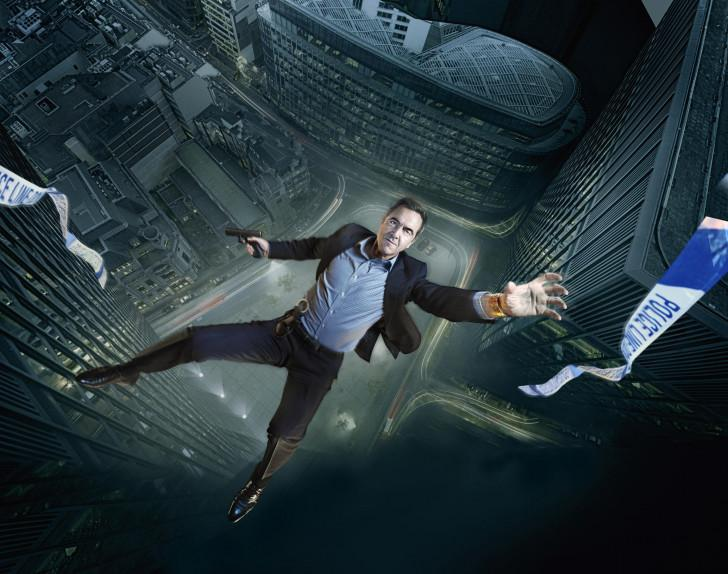 Harry Clayton (James Nesbitt), a bien besoin d'un petit peu de chance !